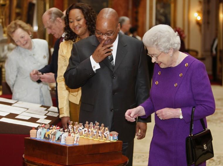 Image: Queen Elizabeth and Jacob Zuma