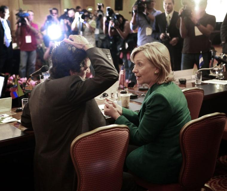 Image: Clinton in Costa Rica