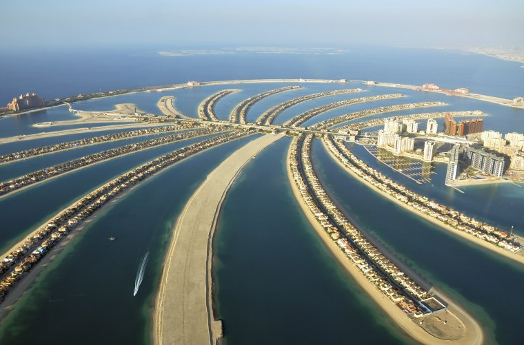 Image: Aerial view of residences on Palm Jumeirah