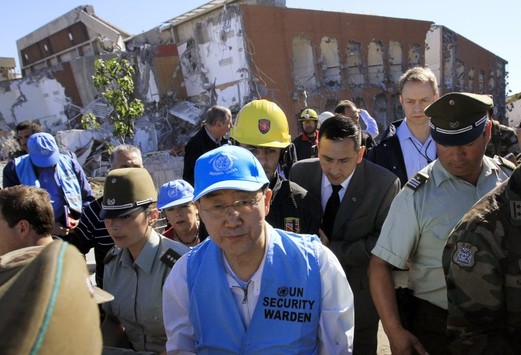 Image: UN Secretary-General Ban Ki-moon visits the Alto Rio apartment building that collapsed during the earthquake, in Concepcion
