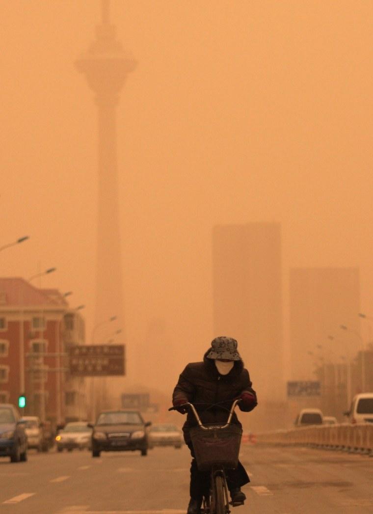 Image: Sandstorm in China