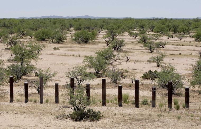 Image: U.S.-Mexico border fence
