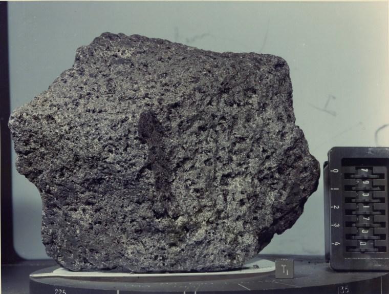 Image: Moon rock