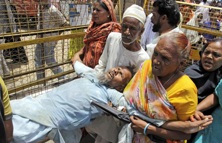 Image: Bhopal gas tragedy survivors outside trial