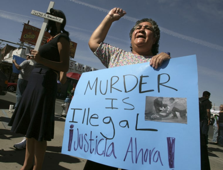 Image: Maria Solorza of El Paso, Texas protests shooting