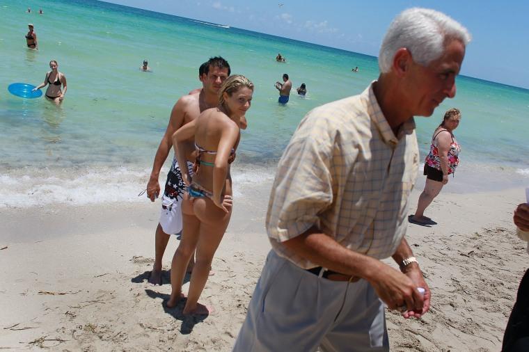 Image: Gov. Crist  on the beach