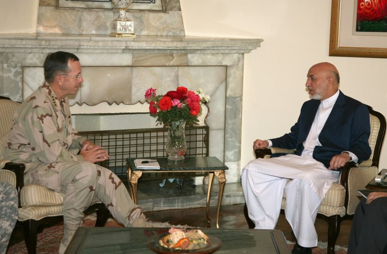 Image: Hamid Karzai, US Admiral Mike Mullen