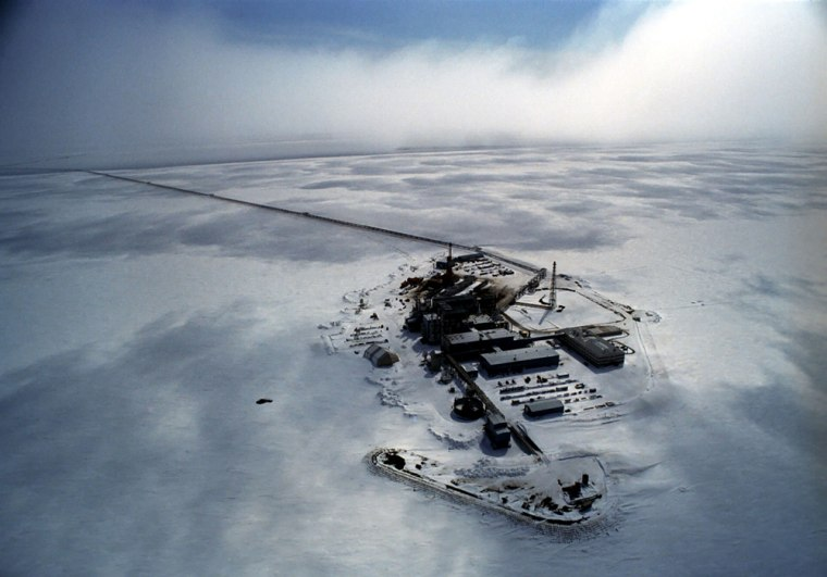 Image: Prudhoe Bay oil field facility