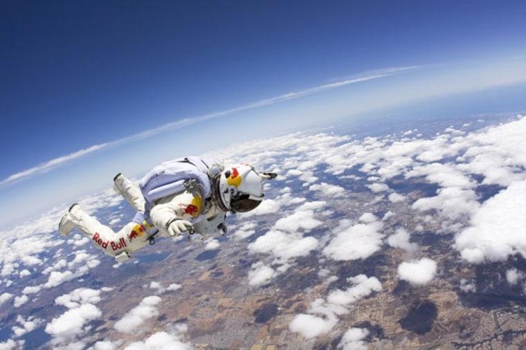 Image: Skydiver Felix Baumgartner