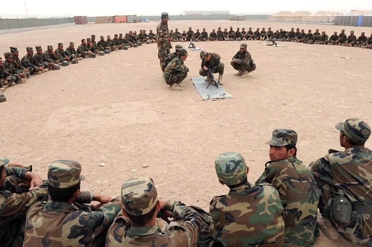 Image: Training Afghan soldiers