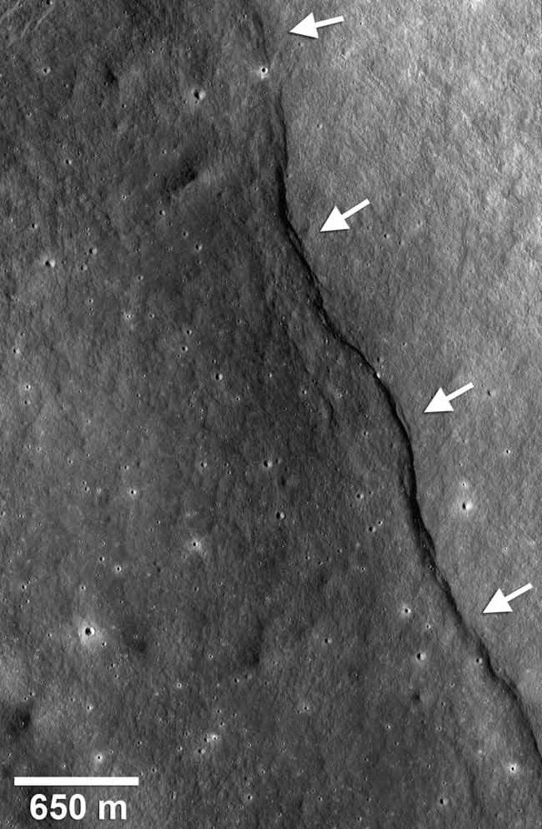 Image: Image of cracks in moon