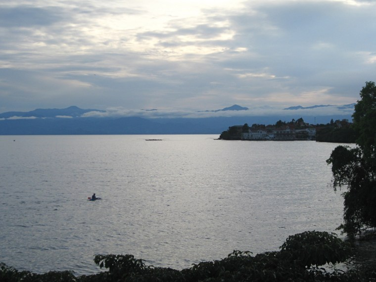 Beneath the beautiful surface of Lake Kivu lie huge reservoirs of methane and carbon dioxide that could power Rwanda for 100 years. But if released onto the surface, these gassescould also endanger the two million people living around the lake's shores.