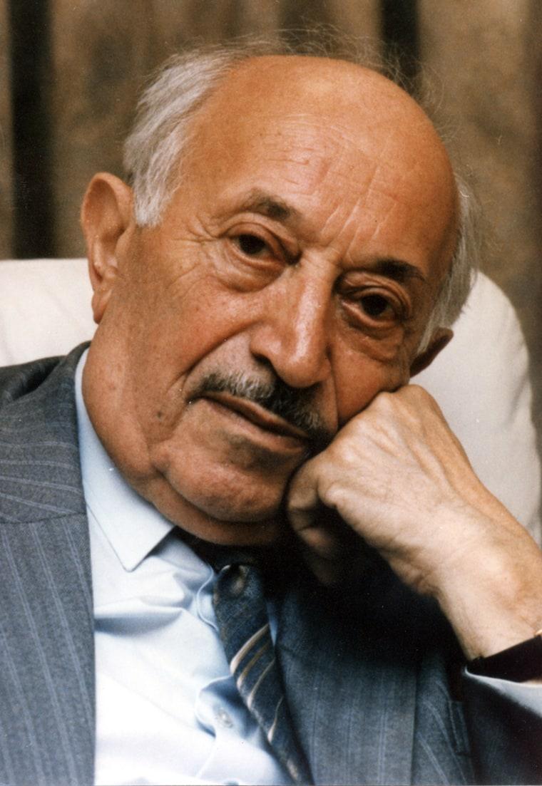 Nazi Hunter Simon Wiesenthal Dies Aged 96