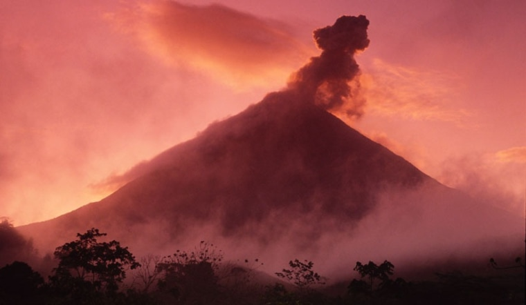 Image: Volcanoes expand when pressure increases