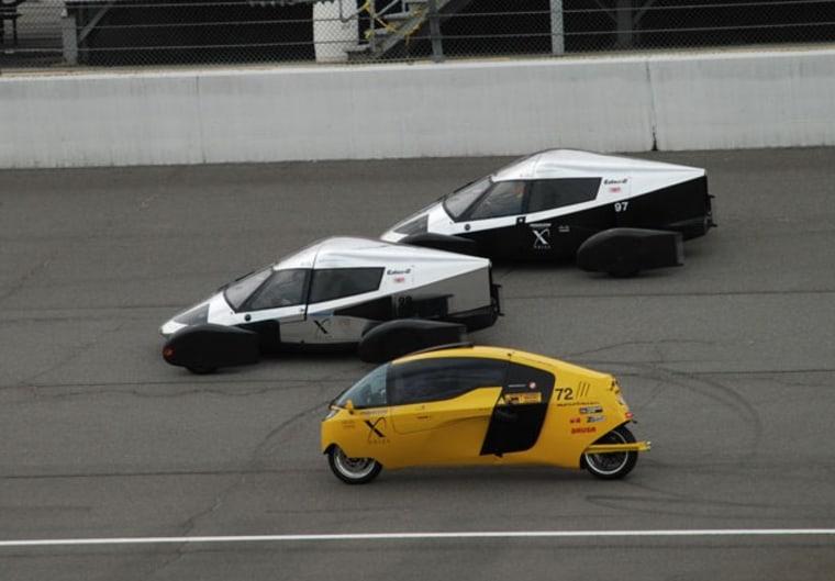 Image: Cars on track