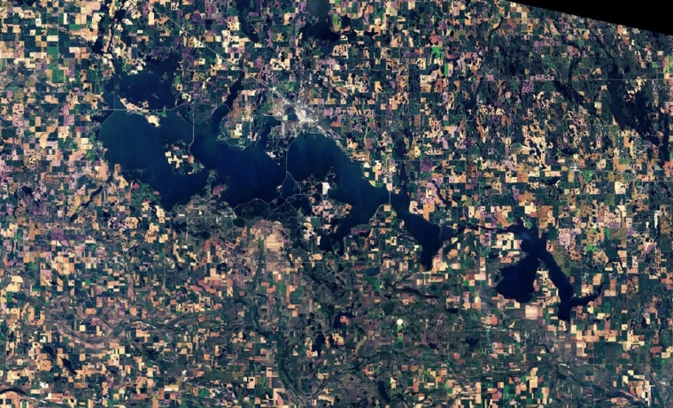 Image: Devils Lake