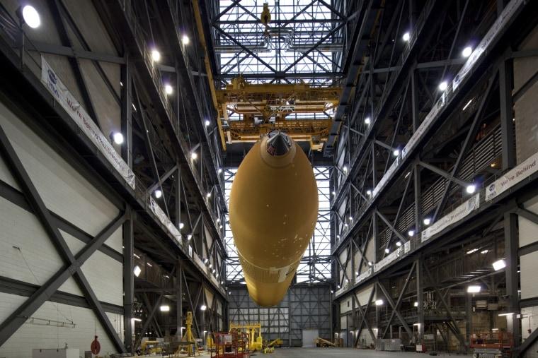 Image: External tank in VAB