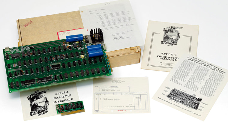 Image: First Apple computer
