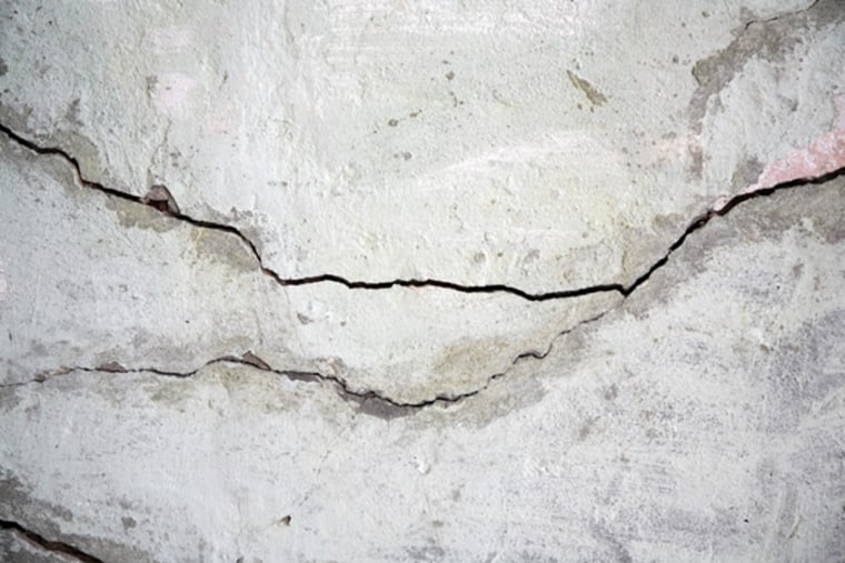 Image: Concrete cracks