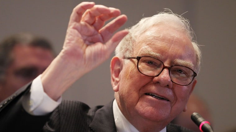 Image: Warren Buffett Testifies At Financial Crisis Inquiry Commission Hearing