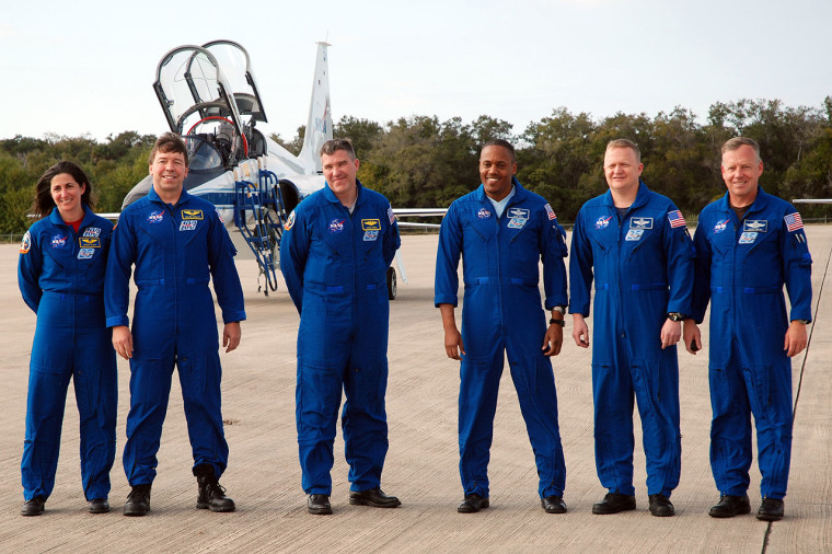 Image: Space shuttle Discovery's STS-133 crew