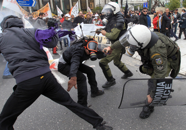 Image: Violent clashes in Athens