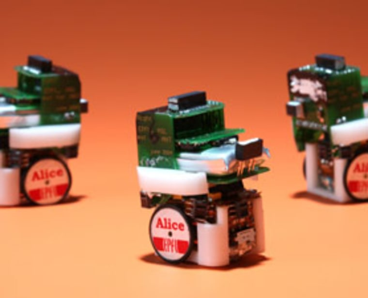 Swiss researchers simulated the evolution of sharing based on these microbots.