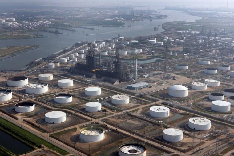 Image: Oil refineries in Pasadena, Texas