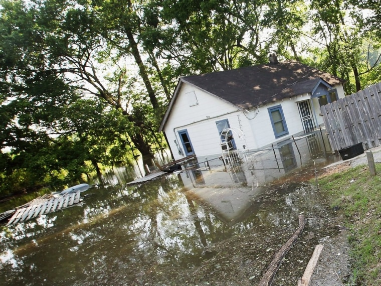 Image: BESTPIX:  Mississippi Flooding At Near Record Levels