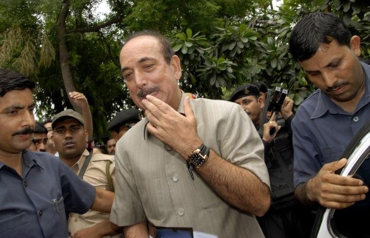 Image: Indian Health Minister Ghulam Nabi Azad