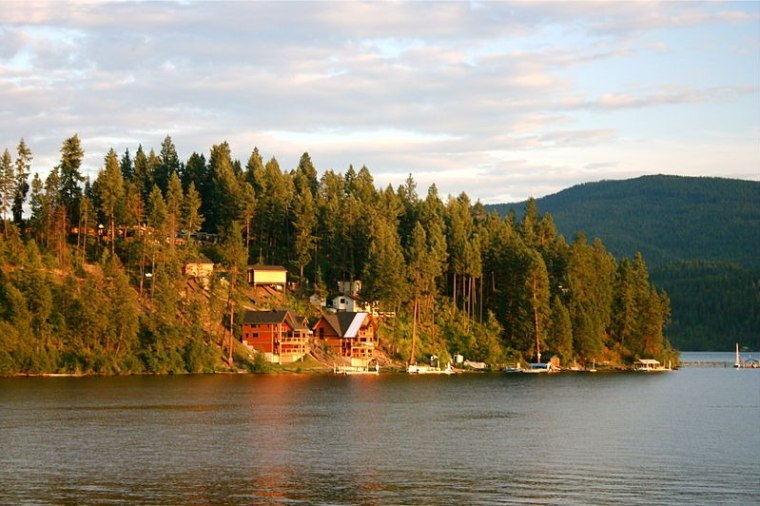 Image: waterfront house in Coeur d'Alene