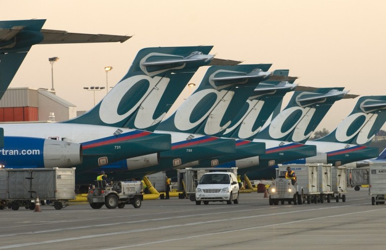 Image: Planes lined up on Ramp