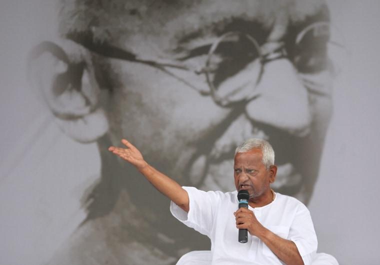 Image: Indian veteran social activist Anna Hazare 9th day of hunger strike