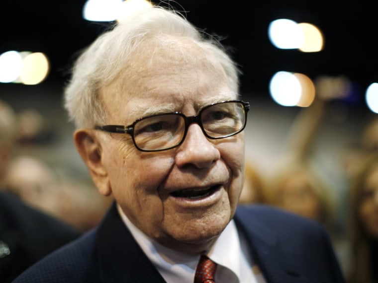 Image: Berkshire Hathaway Chairman Warren Buffett wanders the company trade show before his company's annual meeting in Omaha
