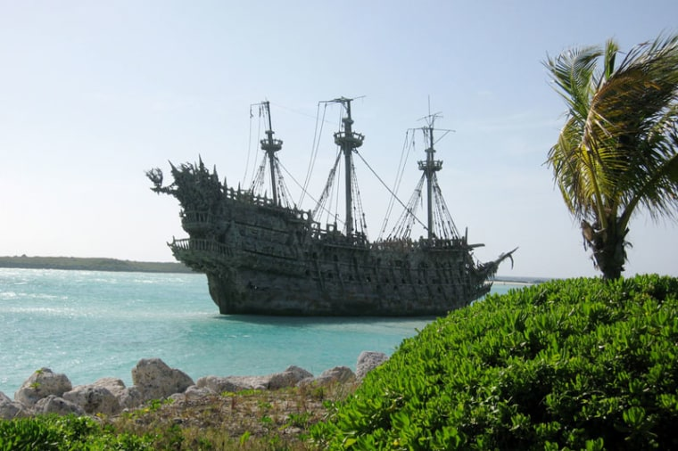 """Archaeologists researching a site where Caribbean pirates """"laid their hats"""" have found the drunken men not only smoked like the devil but also preferred fine pottery. They were sort of the real """"Pirates of the Caribbean."""""""