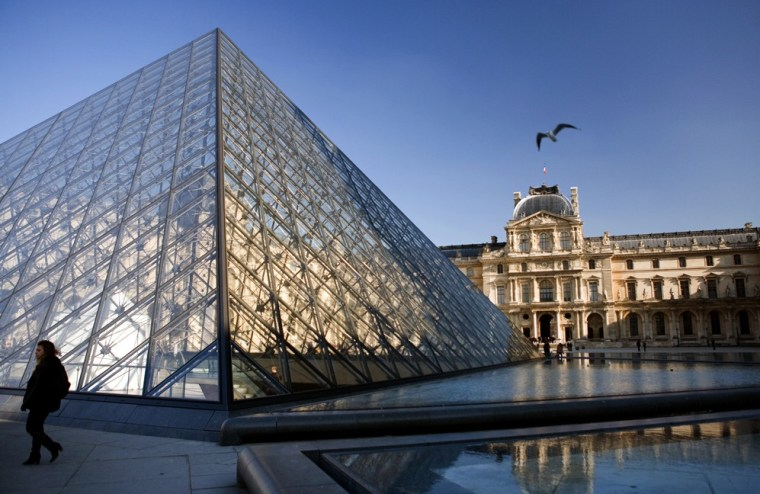 Image: The pyramid of the Louvre