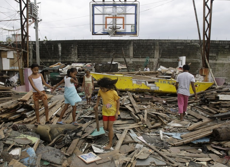 Image: Typhoon damage in Philippines