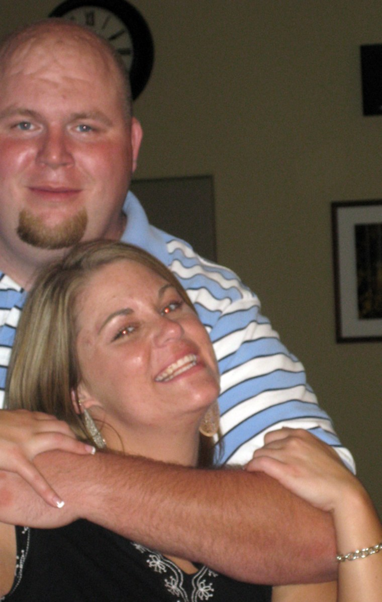 Image: Stacy Alsen and her fiancé Dustin Hall