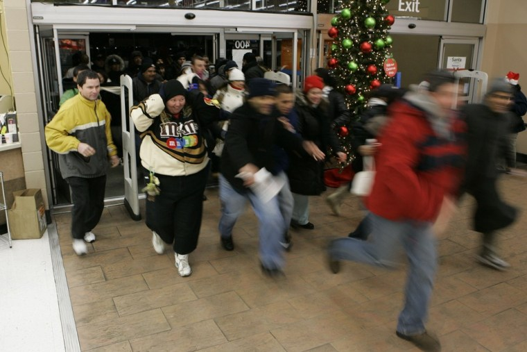 Image: Black Friday shoppers