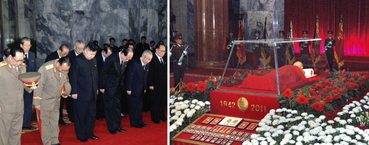 Image:  body of North Korean leader Kim Jong-il lies in state at the Kumsusan Memorial Palace