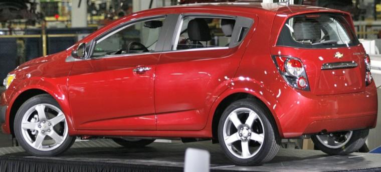 Image: President Obama Visits General Motors Plant With South Korean President