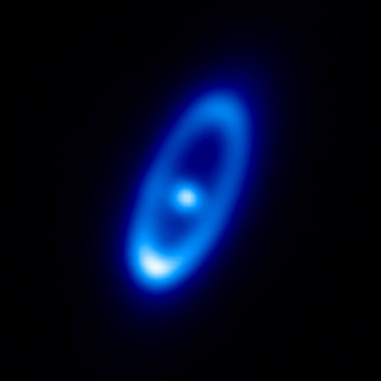 This infraredimageshows the young star Fomalhaut and its surrounding dust disc it as seen with ESA's Herschel space observatory. Astronomers suspect Fomalhaut's debris disc stems from dust particles created by prolific comet collisions, with an average rate of 2,000 daily crashes between comets of 1 kilometer across.