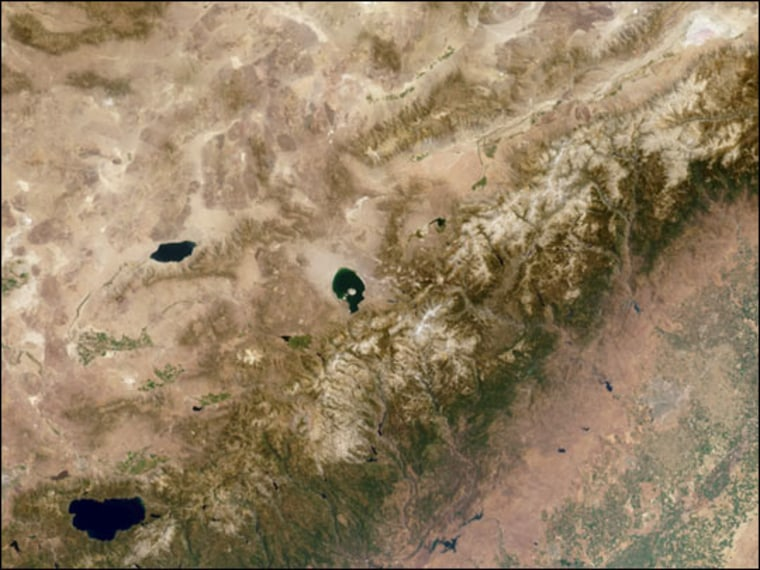 This Multi-angle Imaging Spectroradiometer (MISR) image of the Sierra Nevada mountains near the California-Nevada border was acquired on Aug. 12, 2000. MISR's vertical-viewing (nadir) camera produced the image.