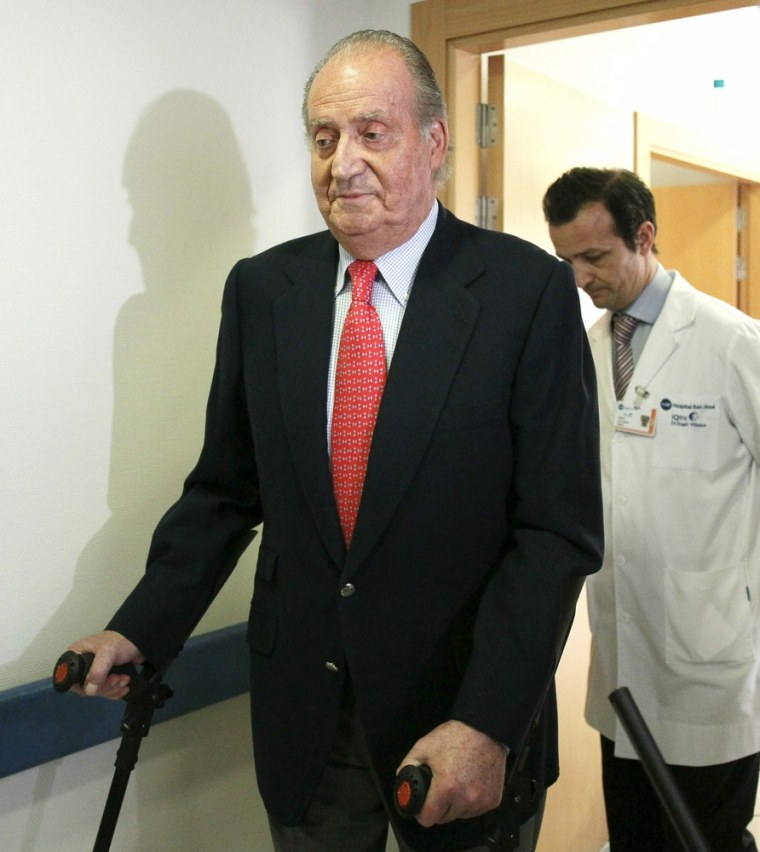 Image: Spain's King Juan Carlos leaves the hospital after being discharged in Madrid