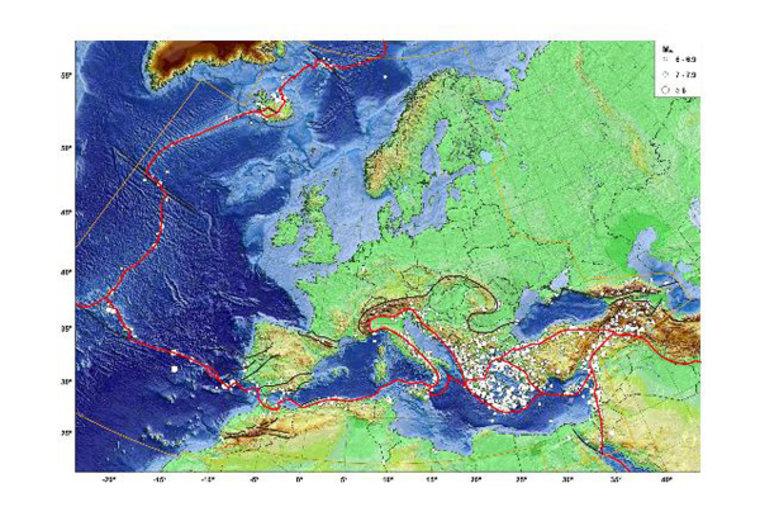 Map of epicentres Mw = 6 quakes in EMEC , plate boundaries (red) and selected first order fault (black).