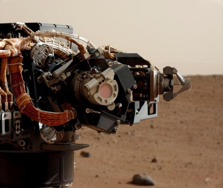 Image: View of MAHLI and robotic arm