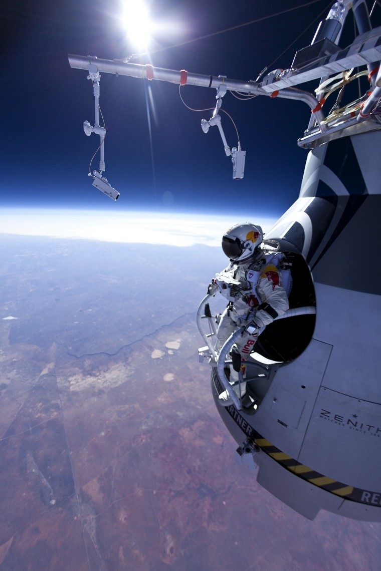 Red Bull Stratos - Manned Flight One