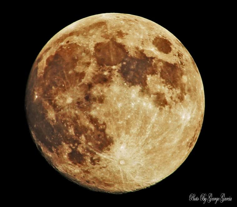 Space.com reader George Garcia sent in his photo of the September 2012 harvest moon taken on Sept. 29 in Montebello, Calif.