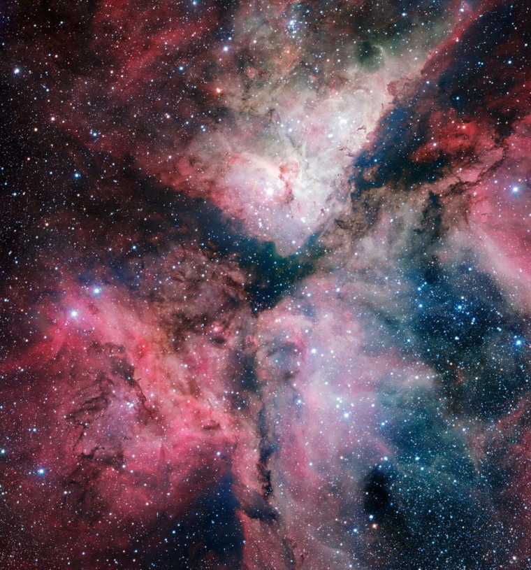 The spectacular star-forming Carina Nebula wascaptured in great detail by the VLT Survey Telescope at ESO's Paranal Observatory. This picture was released onthe new telescope's inauguration in Naples on Thursday.