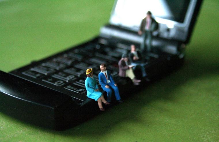 Image: Cellphone use
